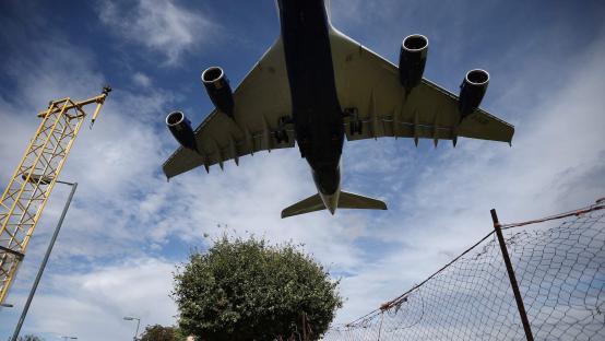 Court overturns block on Heathrow's third runway
