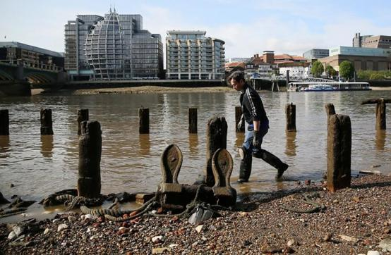 Find out more about the joys of mudlarking in online event