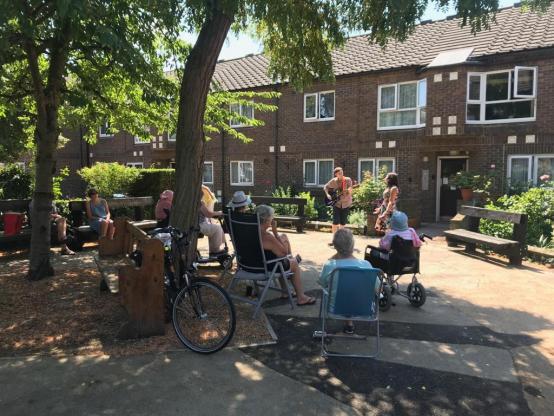 Bring me sunshine – the singing visits brightening residents' lives