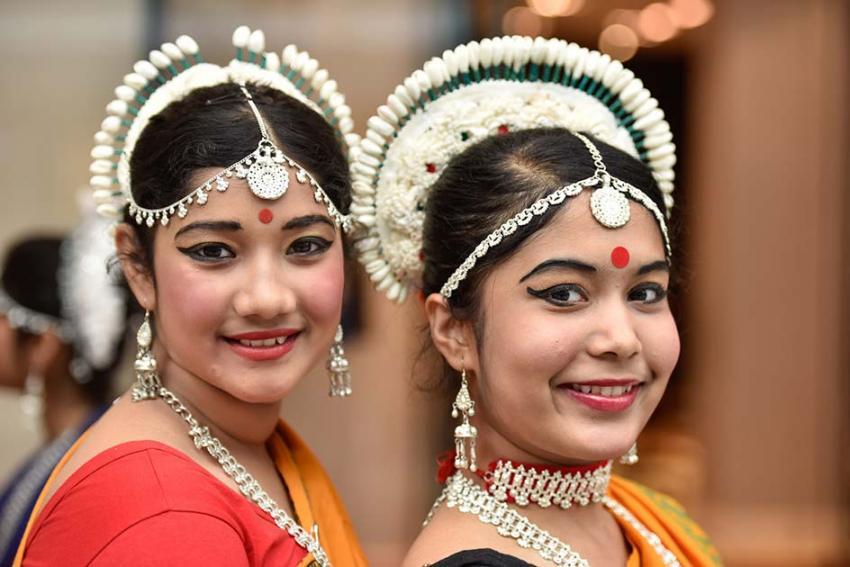 Bhavan dancers