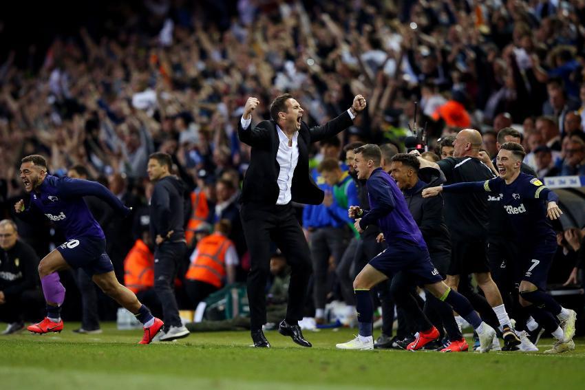 Frank Lampard celebrates victory against Leeds United