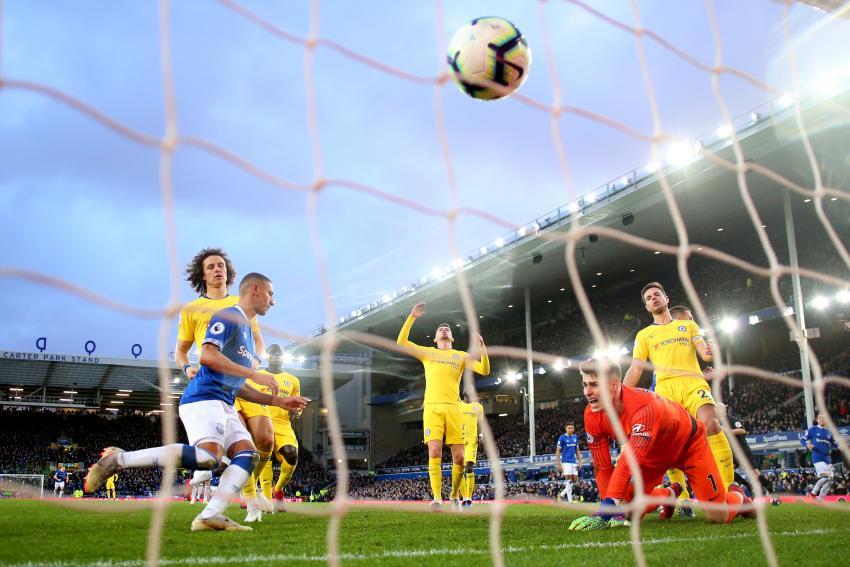 Kepa Arrizabalaga of Chelsea reacts to Everton's second goal