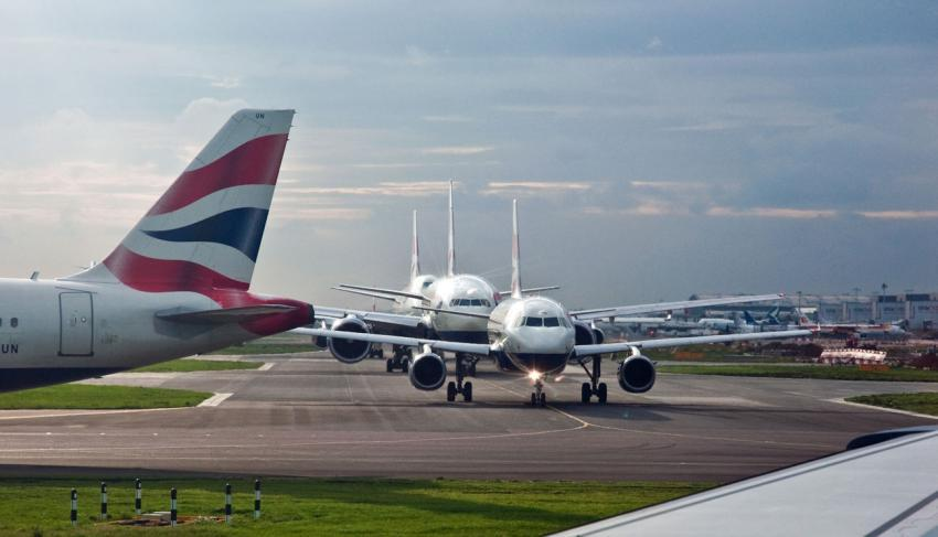 Aircraft take off queue at Heathrow Airport
