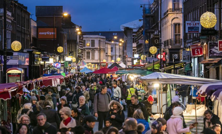 North End Road Christmas Market after daylight hours