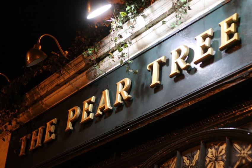 Pear Tree pub sign