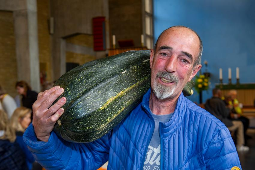 Winner Pedro Garcia showing off his winning 30lb marrow