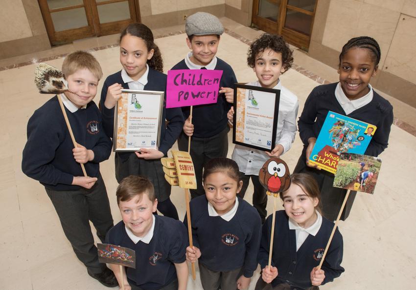 Queen's Manor pupils scoop award