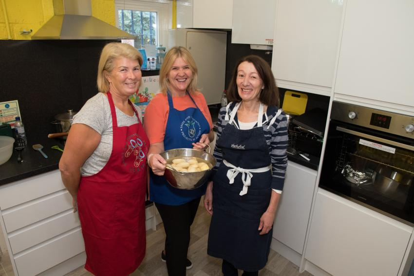 Lunch is served! Sands End Community Kitchen dishes up a feast | LBHF