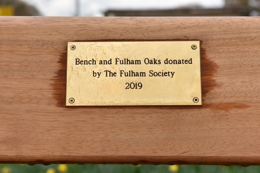 Hurlingham Park bench plaque