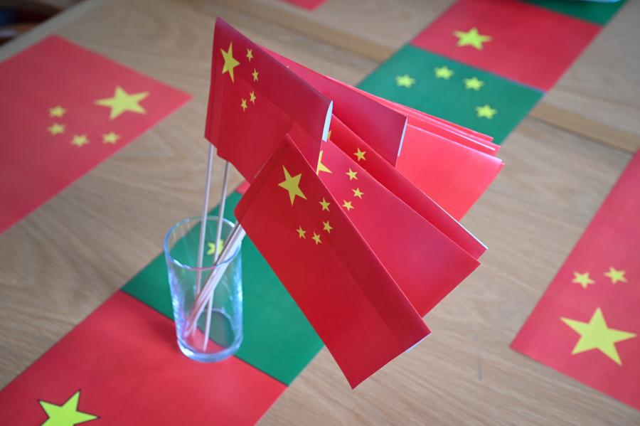 Chinese flags on the conference table