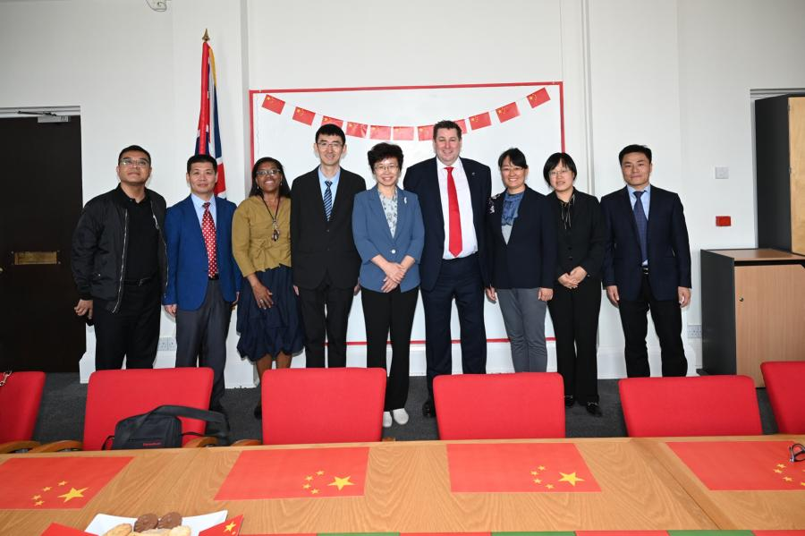 The Chinese delegation at Hammersmith Town Hall with Kim Smith and Cllr Stephen Cowan