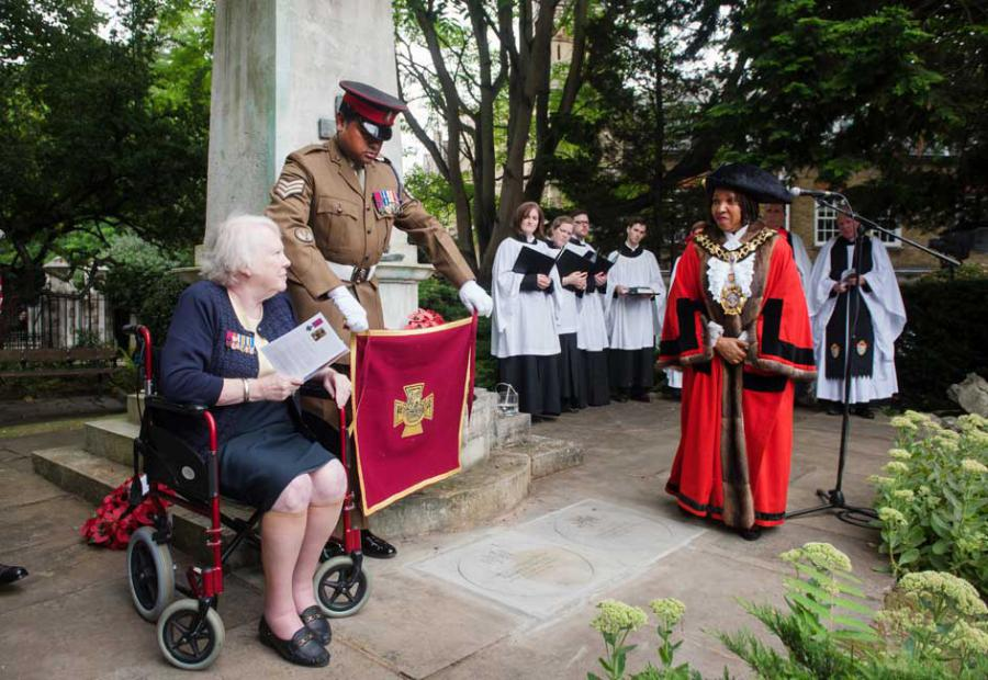 The stone was unveiled by his granddaughter Dilys Fisher, Lance Sergeant Johnson Beharry VC and H&F Mayor Cllr Mercy Umeh
