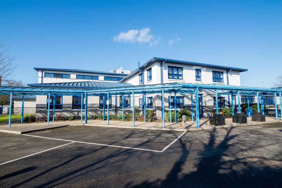 Woodlane High School campus in Du Cane Road