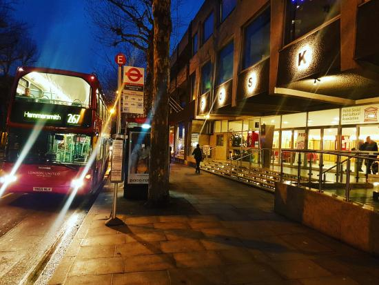 267 bus stopping outside the POSK centre in Hammersmith