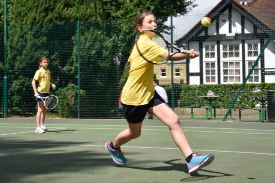 Tennis match in Bishops Park