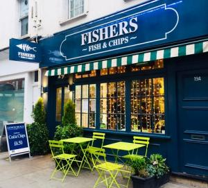 Exterior of Fishers fish and chips in Fulham High Street