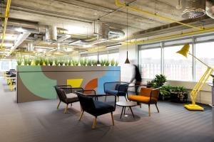 Huddle reception area